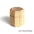 Drewniane sosnowe pudełko na biżuterię