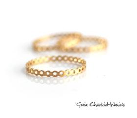 Ażurowy, złocony pierścionek Simple