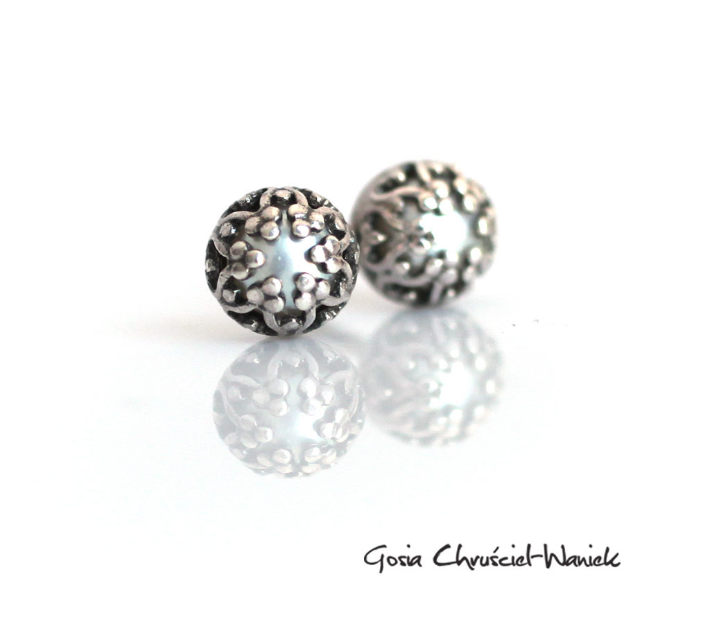 Ażurowe srebro i perełŻi
