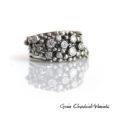 Srebrny pierścionek sprężynka z cyrkoniami