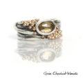 Pierścionek sprężynka ze srebra z kwarcem i złotymi kuleczkami