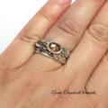 Srebrny pierścionek z kwarcem i srebrnymi kuleczkami
