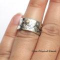 Srebrny pierścionek z górami i złotym księżycem