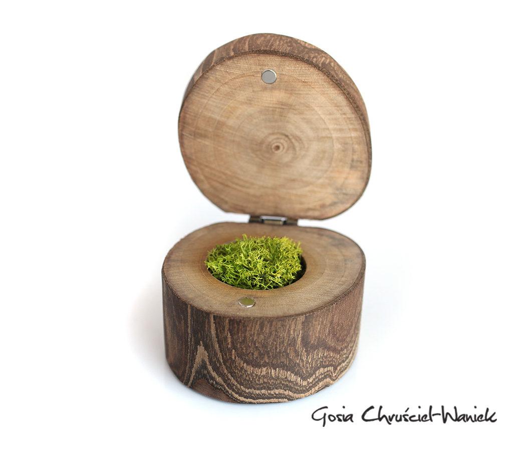 Drewniane pudełko z orzecha
