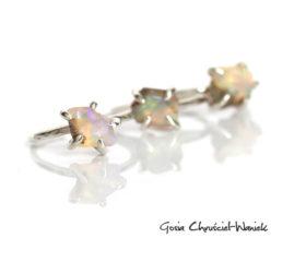 Fasetowany opal w srebrnych pazurkach