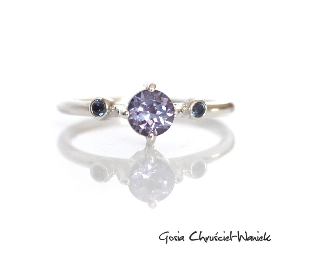 Srebrny pierścionek z 3 aleksandrytami