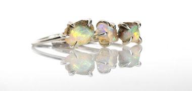 Opal – wielobarwny i zjawiskowy niczym rajski ptak