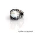 Unikatowy pierścionek z barokową perłą
