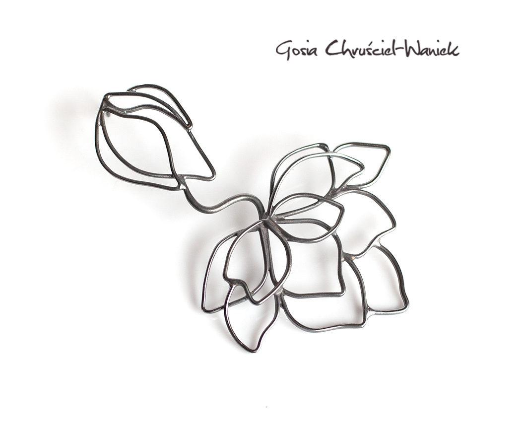 Srebrny kolczyk z magnoliami