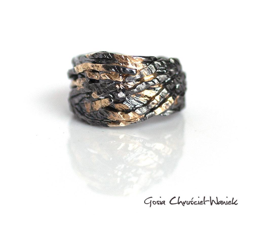 Srebrno złota obrączka z kolekcji Skrzydła