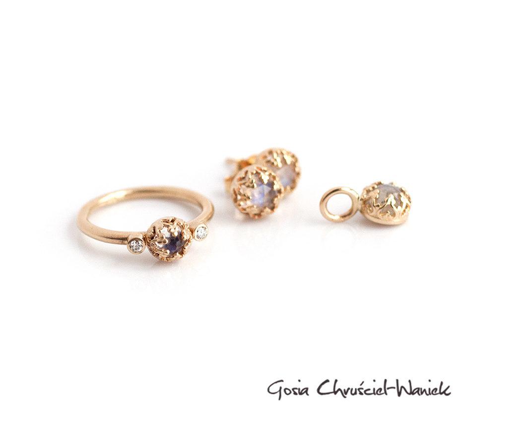 Złoty komplet z kamieniami księżycowymi i brylantami