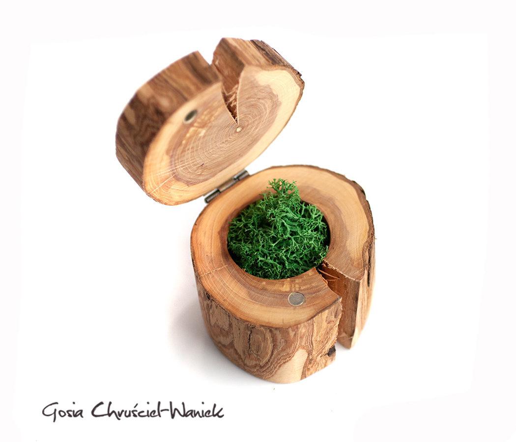 Dzika winorośł - drewniane pudełko na pierścionek zaręczynowy