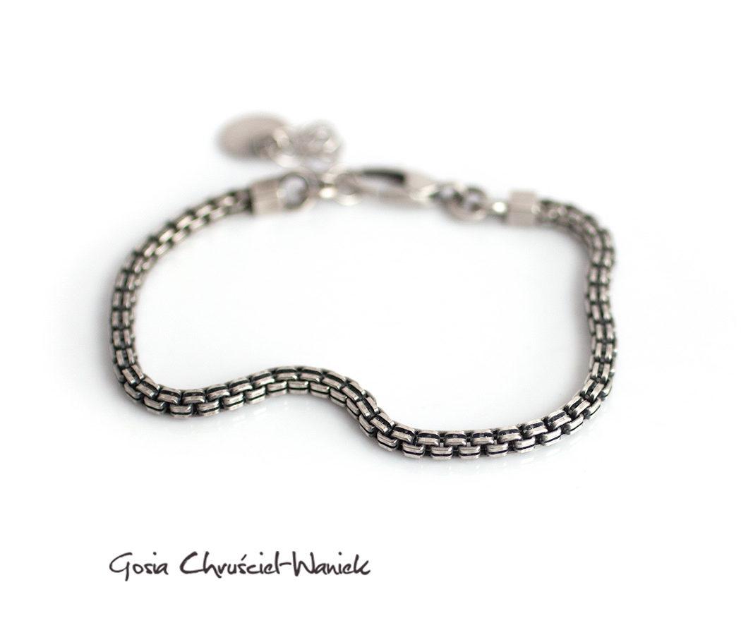 Srebrna, ozdobna bransoleta