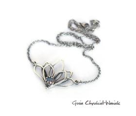 Kwiat lotosu z labradorytem