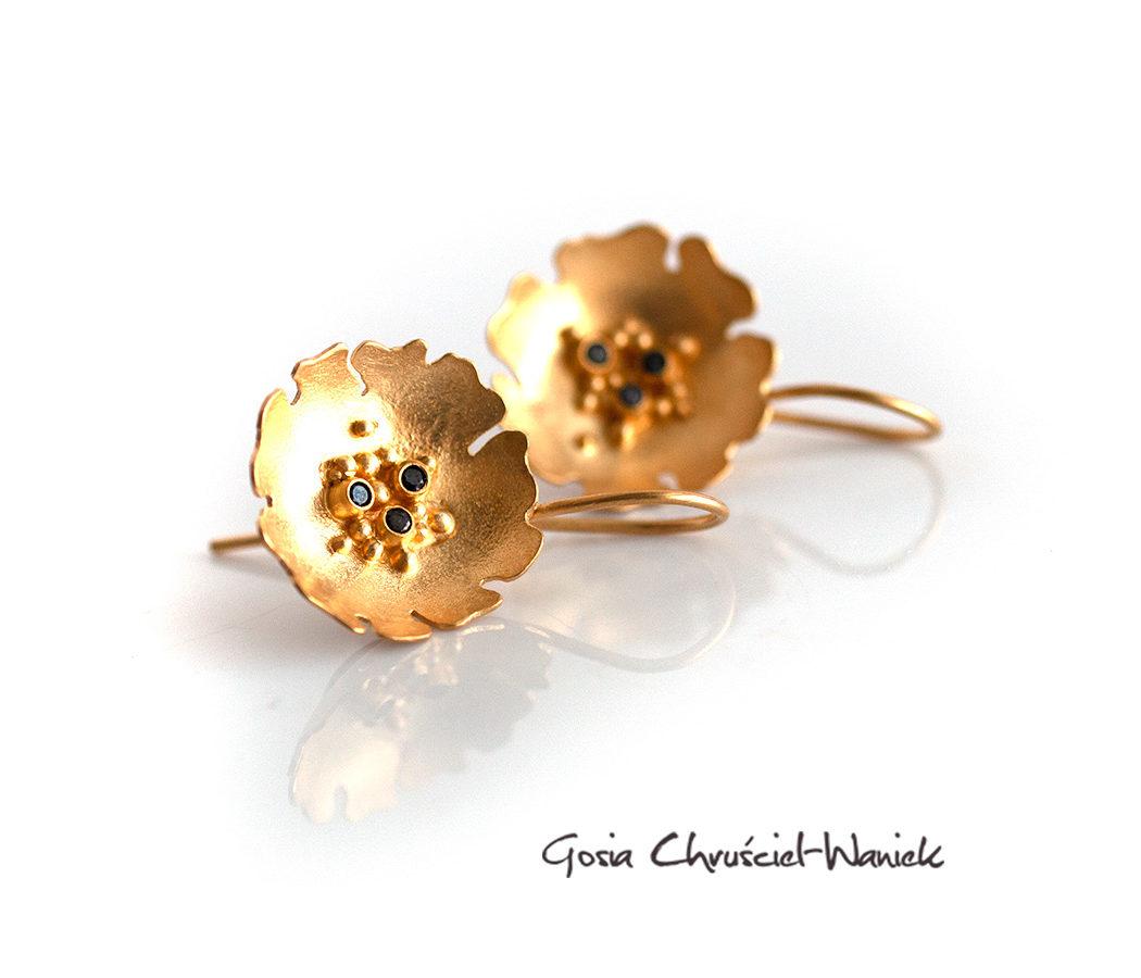 Złocone kolczyki kwiatki