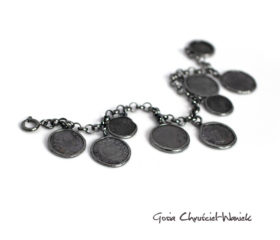 Oksydowana bransoleta ze starymi monetami