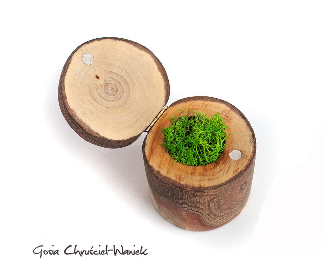 Drewniane pudełko na pierścionek