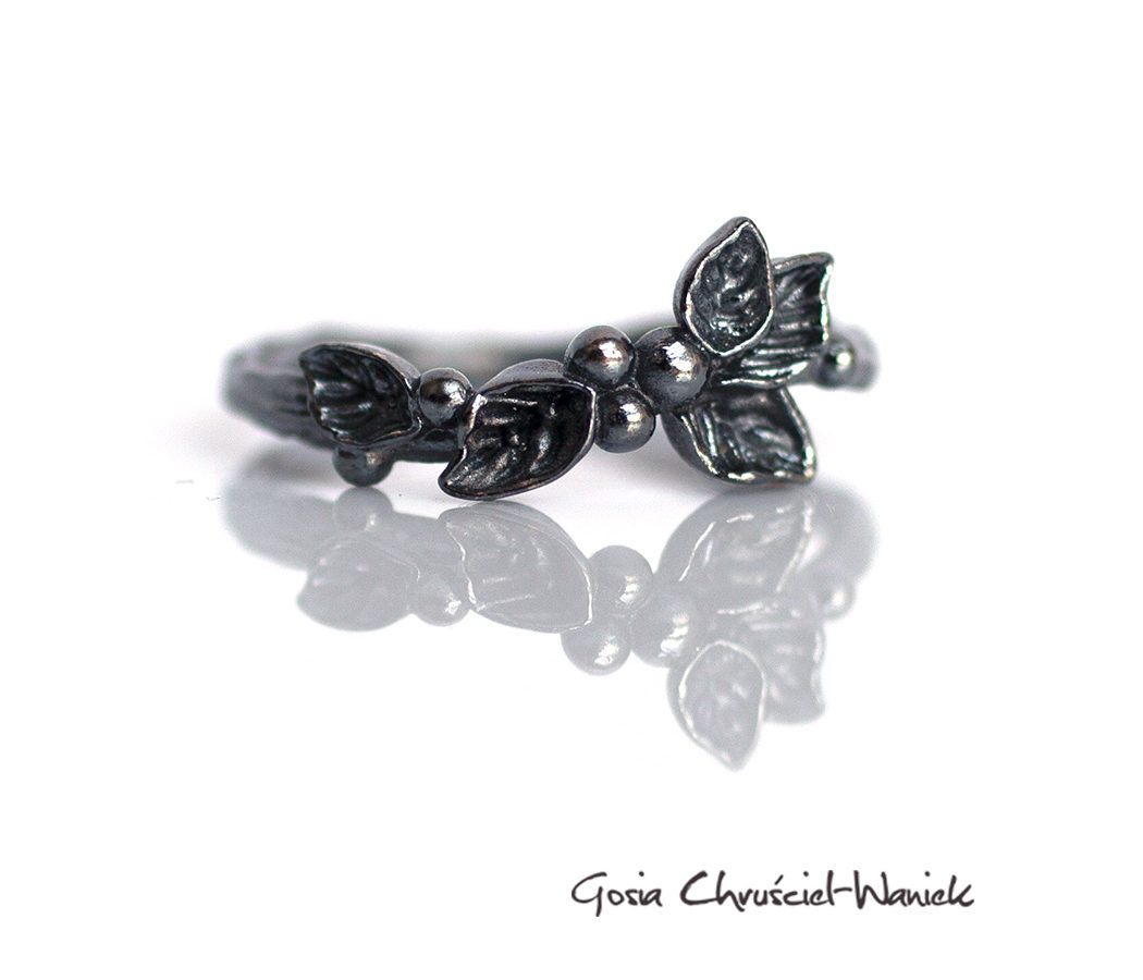 Srebrny pierścionek z kolekcji Wild Berries