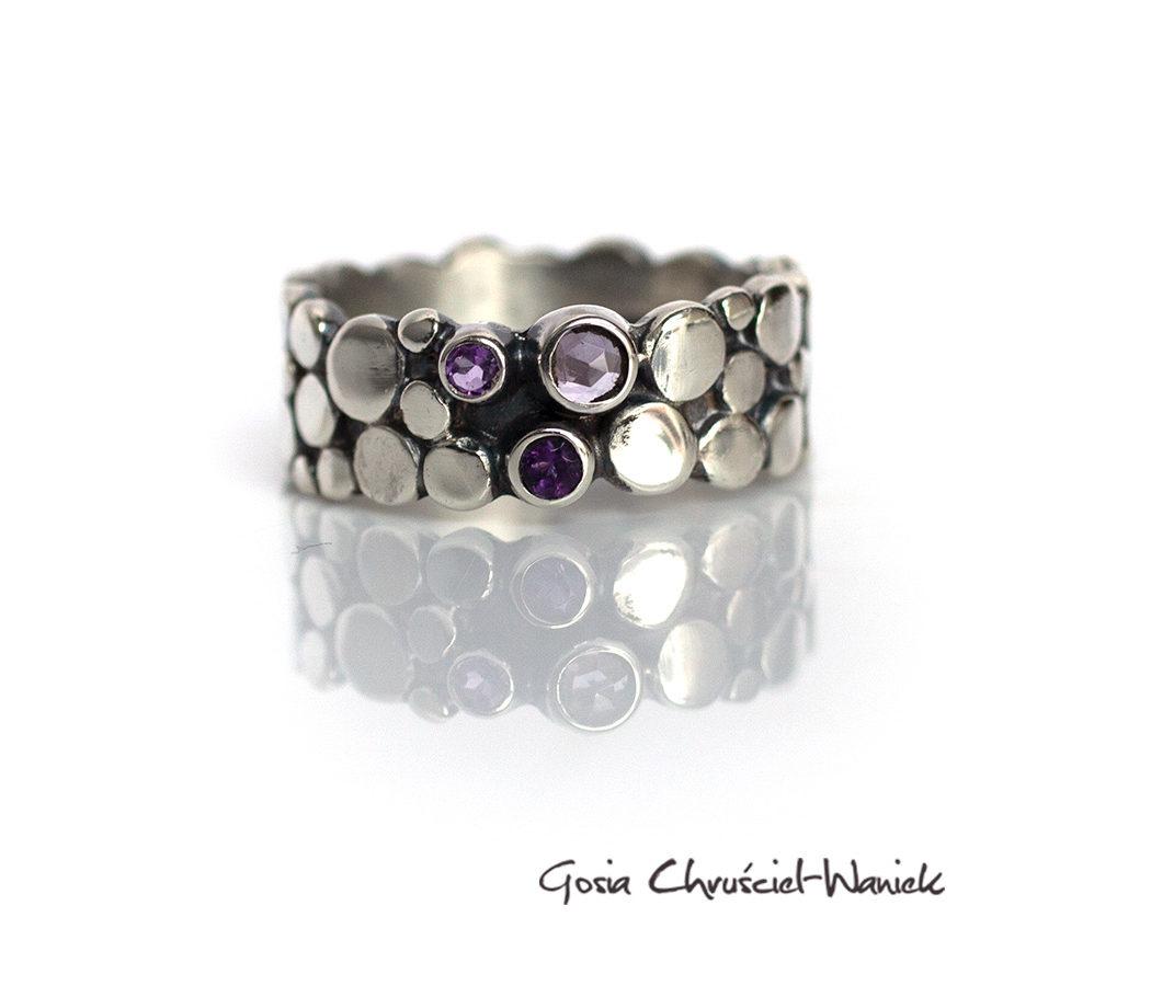 Paths - srebrny pierścionek z ametystami