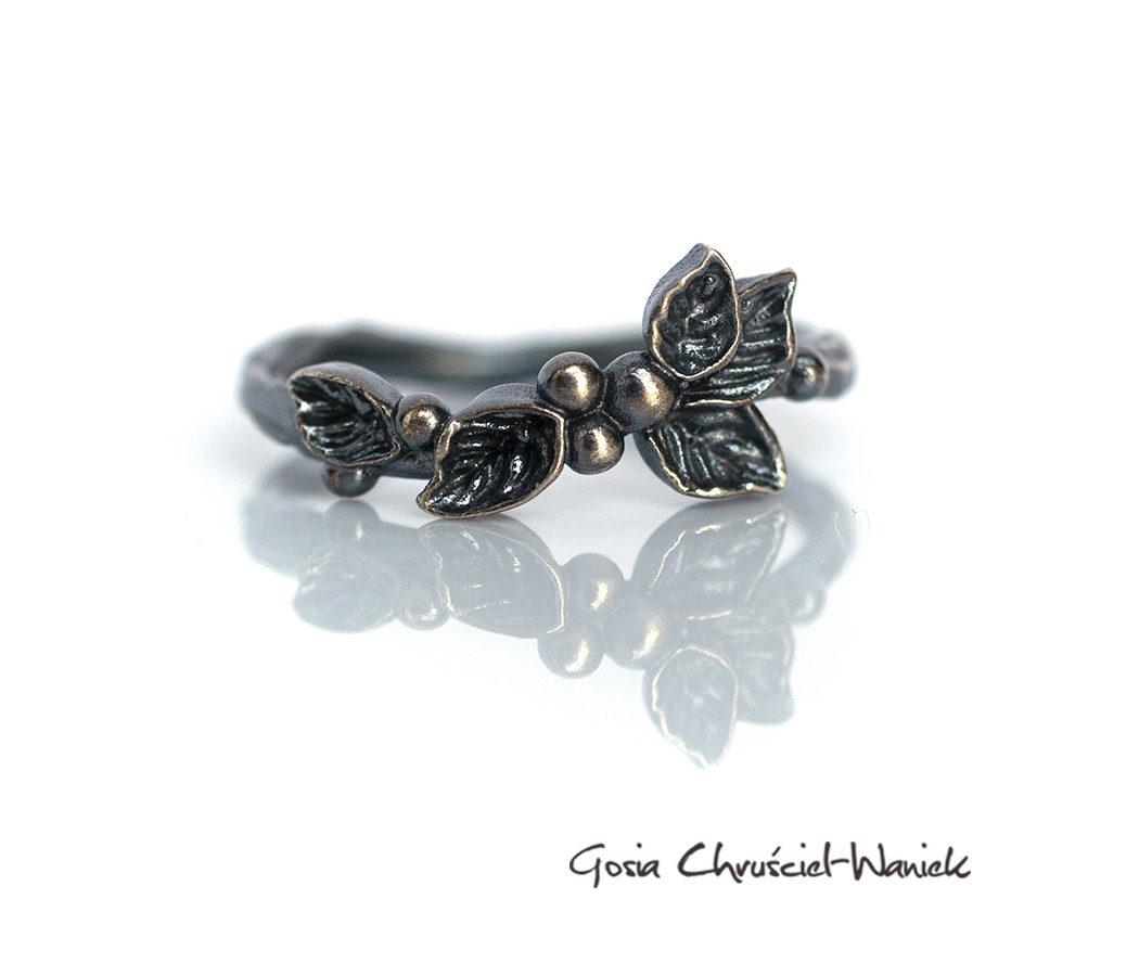 Srebrny pierścionek z listkami Wild Berries