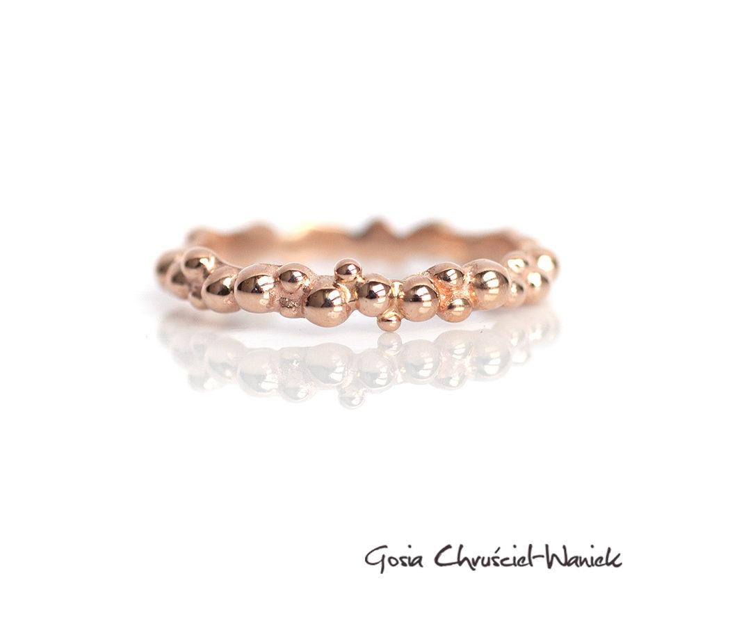 Organiczna obrączka z różowego złota