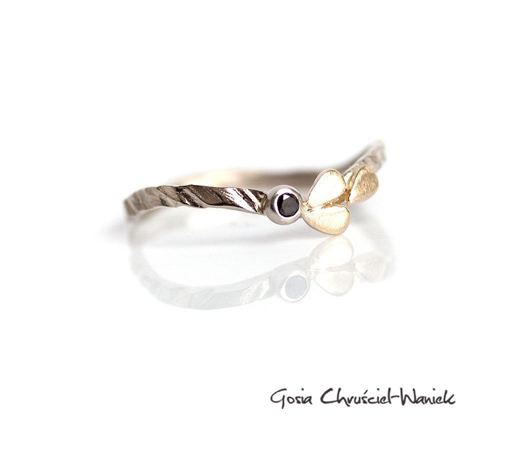 Złoty pierścionek Leaves