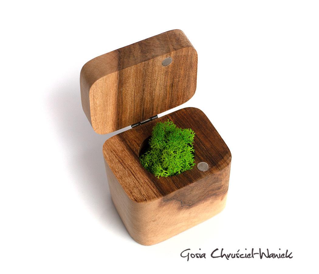 Grab - drewniane pudełko na pierścionek