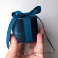 Aksamitne pudełko na pierścionek