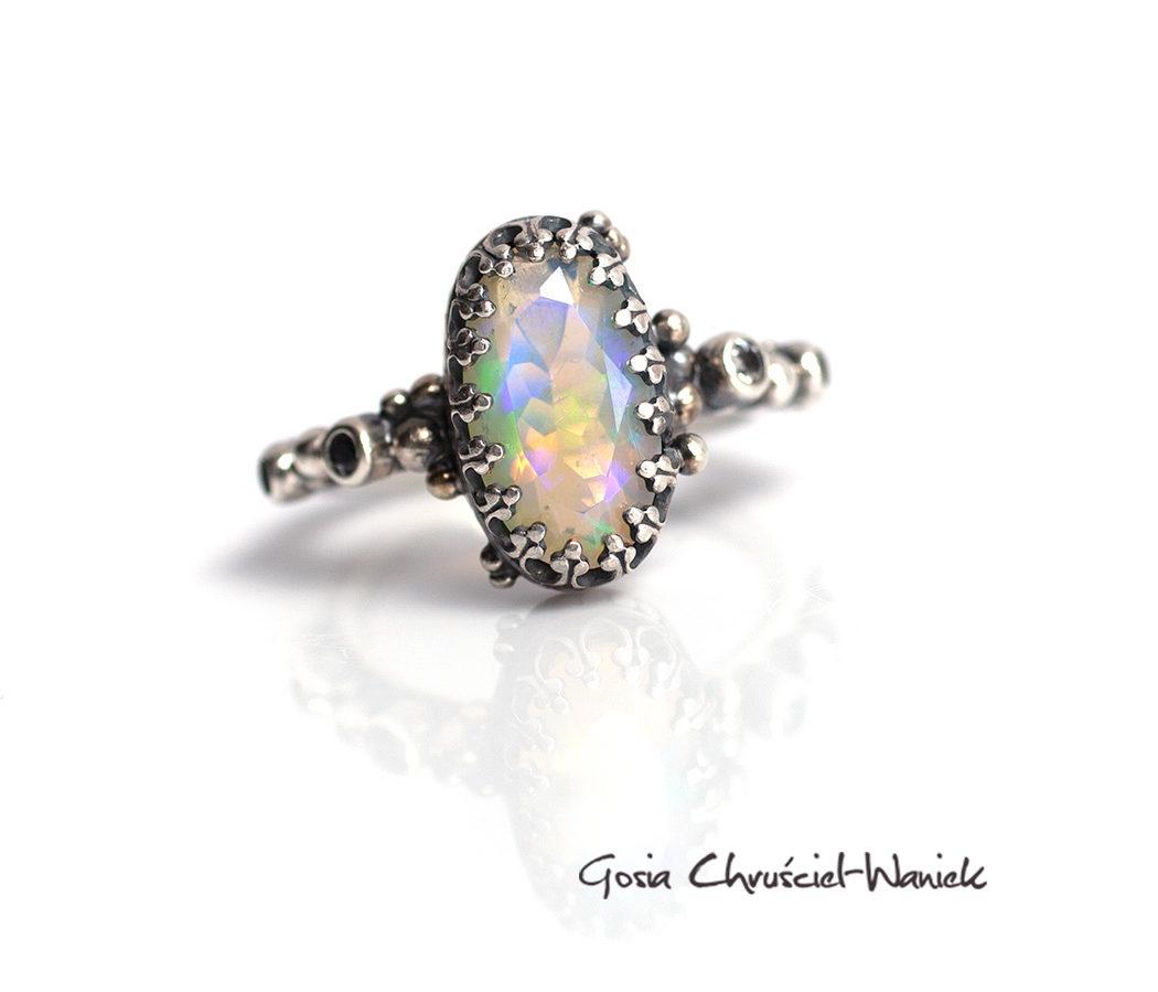 Srebro, opal i topazy